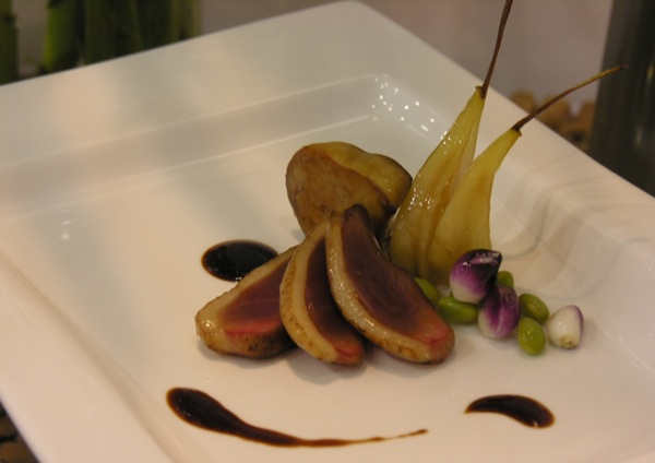 duckbreast_with_caramelized_pears_and_balsamic_reduction